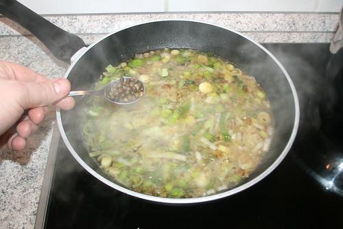 39 - Pfefferkörner dazu geben / Add green pepper