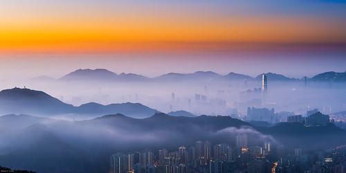 fog sunrise hongkong dawn cityscape 城市 香港 kowloon icc ifc 九龍 westkowloon 日出 tsuenwan 荃灣 taimoshan 大帽山 西九龍