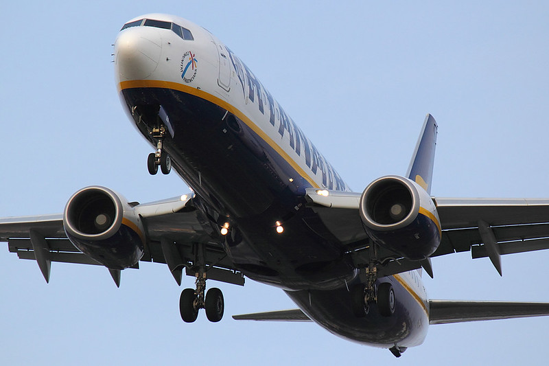 Ryanair - B738  - EI-%%% (1)