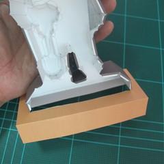 วิธีทำโมเดลกระดาษ ตุ้กตาไลน์ หมีบราวน์ ถือพลั่ว (Line Brown Bear With Shovel Papercraft Model -「シャベル」と「ブラウン」) 026