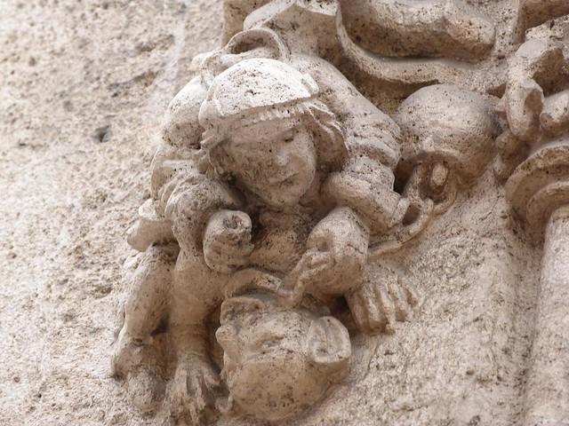 Esculturas de la lonja de la seda de Valencia