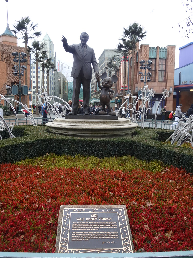 Un séjour pour la Noël à Disneyland et au Royaume d'Arendelle.... - Page 7 13890436821_ca3d54b8cd_b