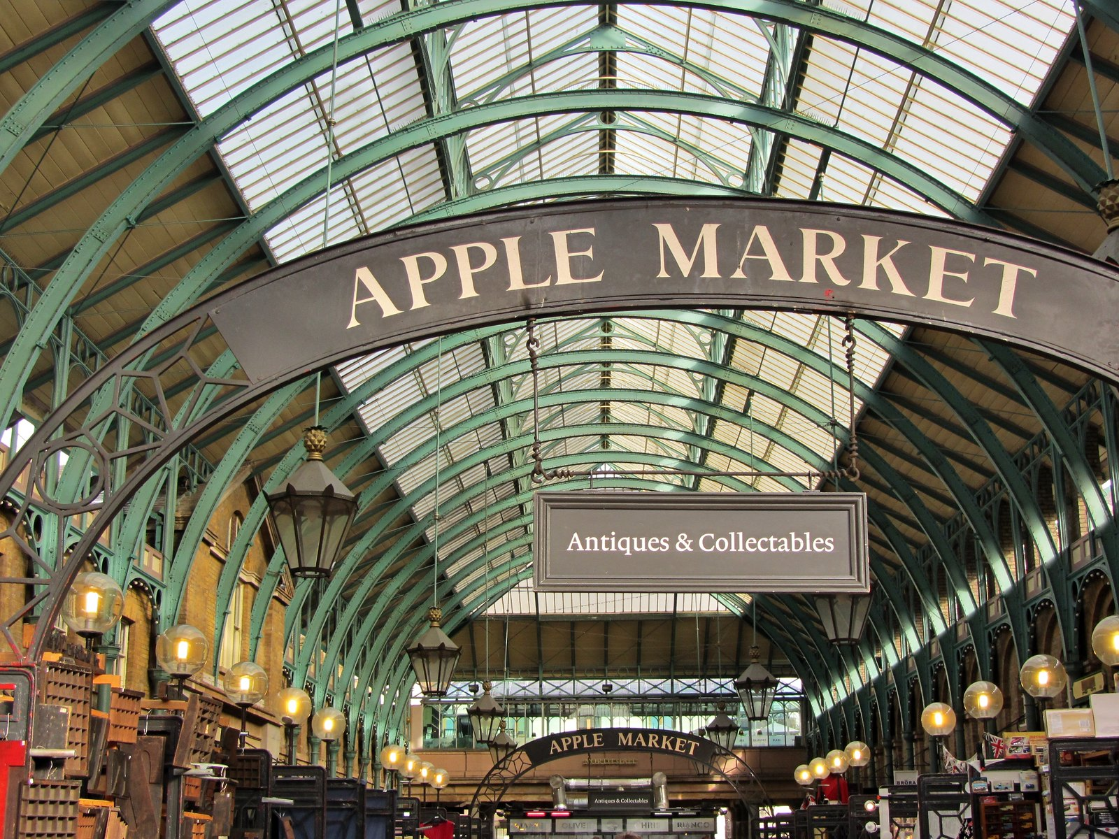 The Apple Market, Covent Garden. Credit Roman Hobler, flickr