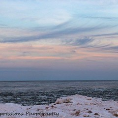 Pastel Sunset; Duluth MN Lake Superior You can find my most current work at https://m.facebook.com/ambersimpressions/ Prints are available upon request! Enjoy!  #AuthenticDuluth