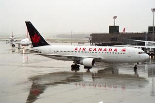 Air Canada Boeing 767-233/ER C-GAVF