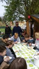 Gemeinsam Essen im Tausendschön Garten