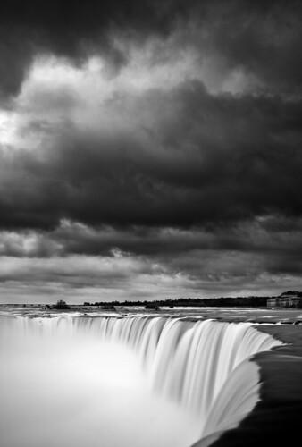 blackandwhite ontario canada monochrome niagarafalls waterfall horseshoefalls canonef24105mmf4l 5dmarkii bw30nd