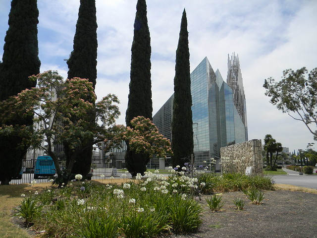 Crystal Cathedral entrance 2