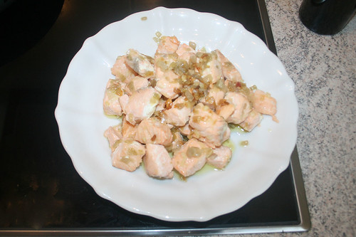 24 - Lachswürfel entnehmen / Remove salmon dices