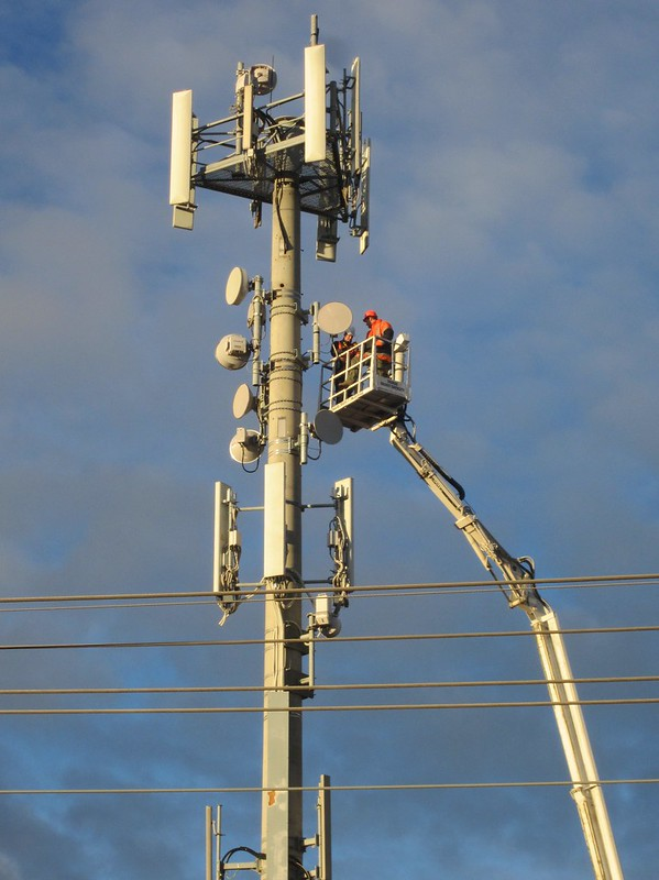 Fixing a mobile phone tower (2/2)