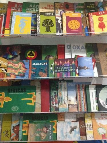 Acervo Infantil by Biblioteca Abdias Nascimento