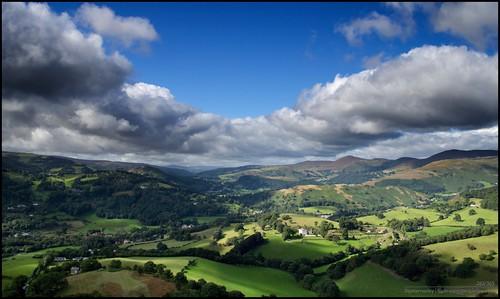 sky cloud mountains wales hills llangollen castelldinasbran borderfx afsdxvrzoomnikkor1855mmf3556g