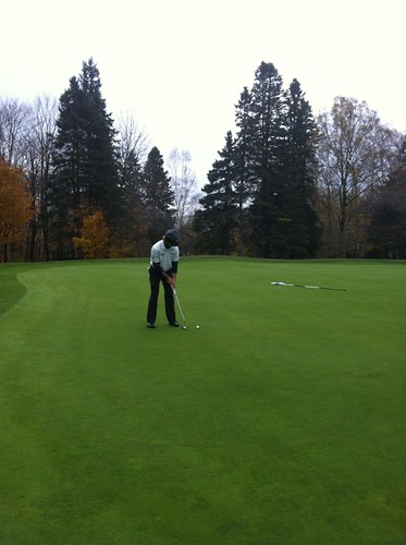 Brent Pound with birdie putt on 14 (Rd 1 20133 CCAA Nationals Bilton JR)