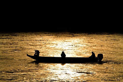 travel sunset people art water silhouette canon river gold austria boat europe fineart 7d danube dürnstein slicesoftime zajdowicz