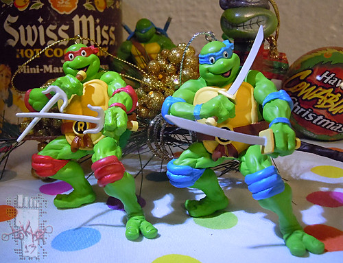 "AMERICAN GREETINGS :: TEENAGE MUTANT NINJA TURTLES - ""Leonardo"" Ornament ix /  .. with A.G. Raphael ornament '12  (( 2013 ))"