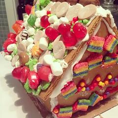 gingerbread house, cake, buttercream, baked goods, food, icing, dessert, snack food,