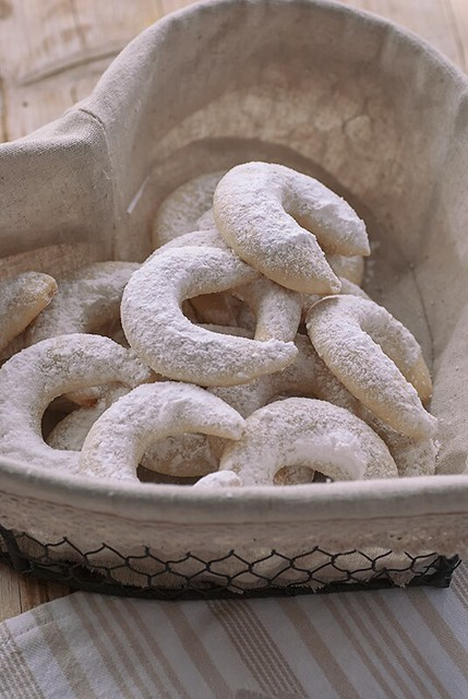 Almond crescents_2