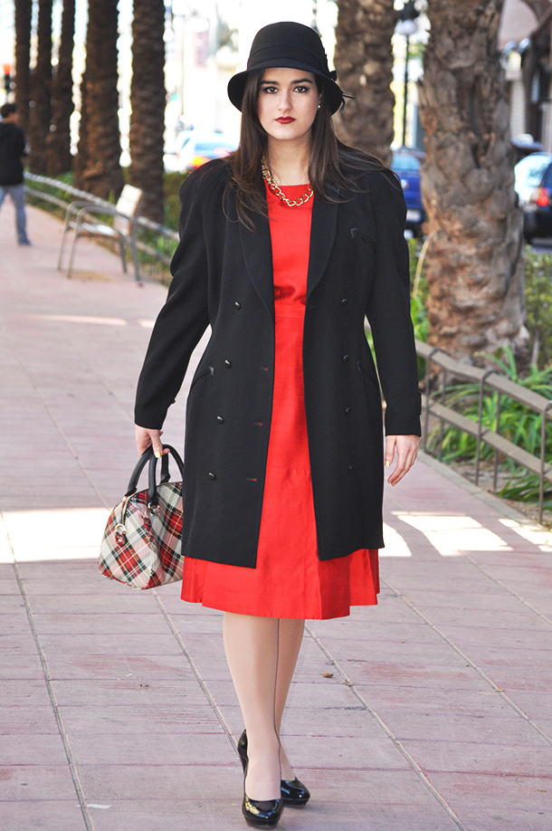 valencia spain firenze italia fashionblogger, somethingfashion vintage inspired outfit ootd style red bright dress, jimmy choo sunglasses tintoretto holidays inspiration streetstyle classy elegant how to dress nicely for party