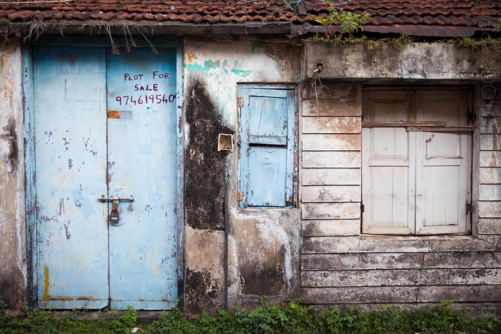 Another blue door in Jew Town
