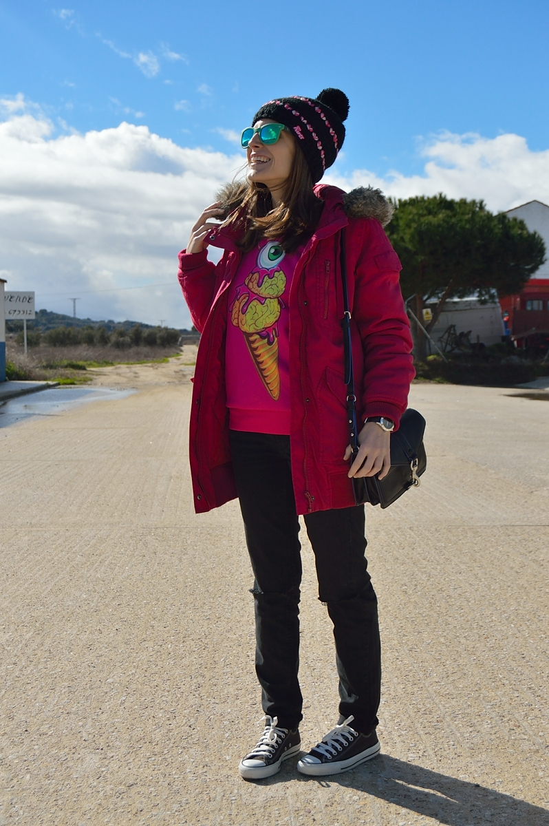 lara-vazquez-madlula-fashion-streetstyle-fucsia-green-combo-casual-look-winter