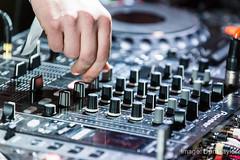 audio engineer(1.0), electronics(1.0), disc jockey(1.0), electronic instrument(1.0),