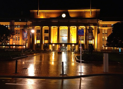 The clock struck twelve :  Wellington Railway Station on a wet evening