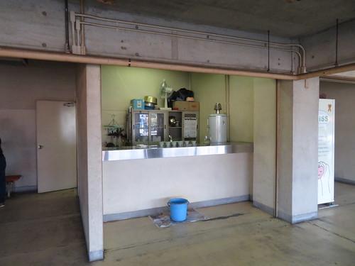 佐賀競馬場の湯茶接待所