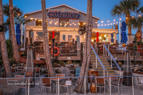 resturant eatery boathouse boathouserestaurant stuasrt florida usa waterfront boardwalk dine dining landscape architecture