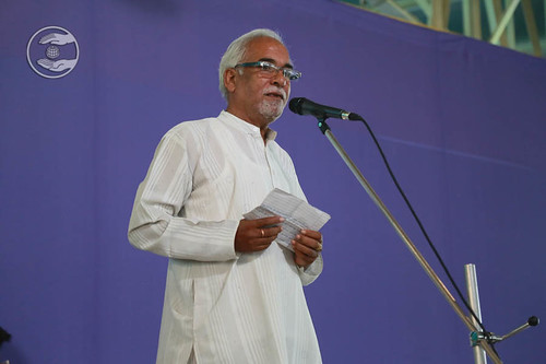 Poem by Mohinder Gulshan from Hardev Nagar, Delhi
