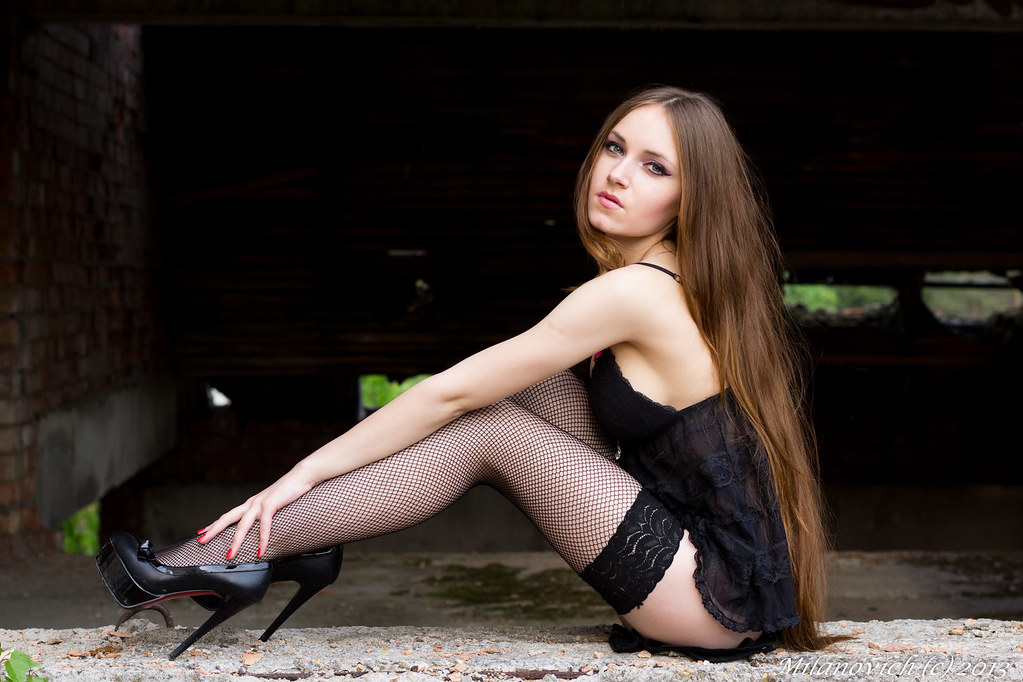 Latvian women club kalinka home