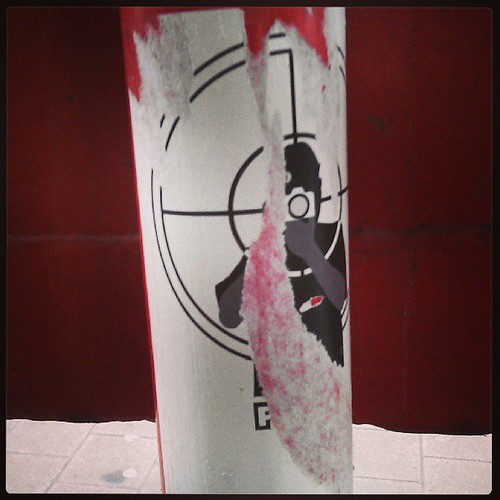 point and shoot #sticker #streetart #brussels