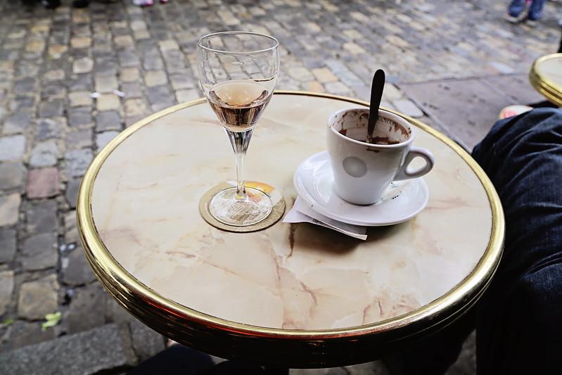 Vin Rose + Chocolat Chaud
