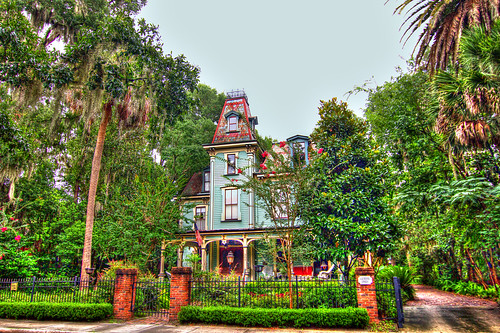 street old city travel summer vacation sky house building tree green castle tourism home beautiful architecture facade canon vintage garden real town big exterior estate view florida antique balcony south victorian large style peak palace tourist structure palm historic retro tokina southern coastal porch plantation 7d villa 28 mansion residence antebellum luxury hdr gainsville 1116mm