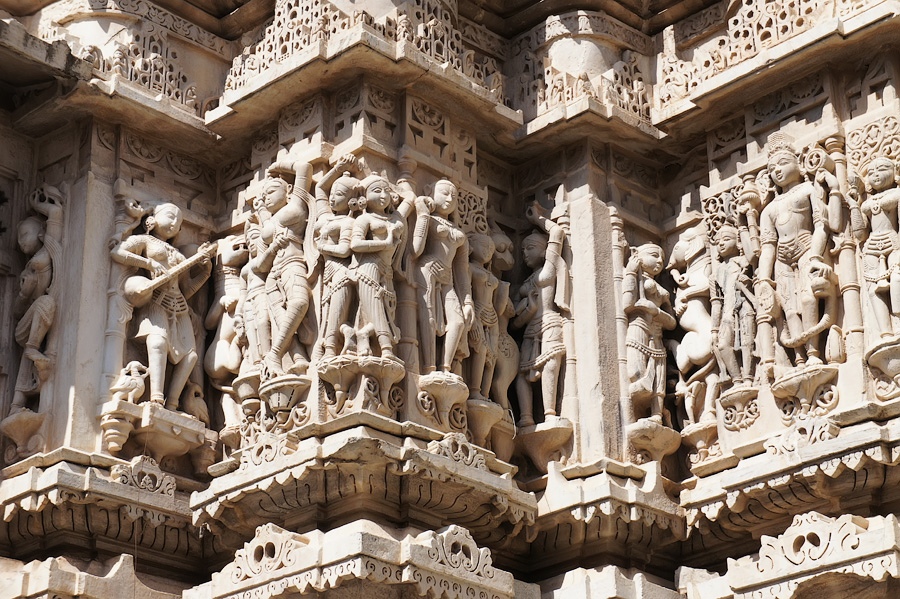 Джагадиш мандир, Удайпур. Архитектура Раджастана