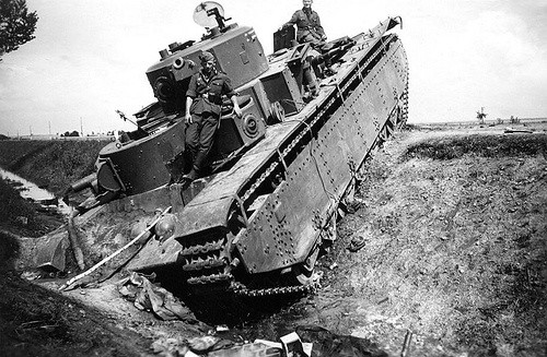Съветският Т-35 е съветски тежък танк Т-35