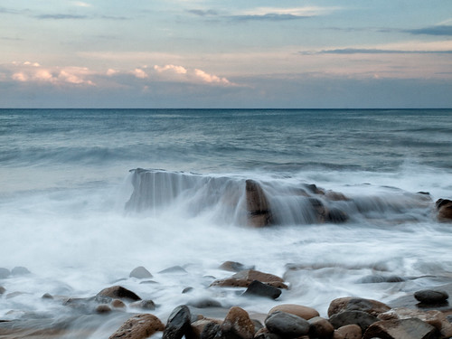 mar agua mediterraneo nubes piedras monsalo