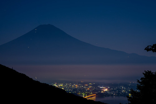japan fog night fuji fullmoon getty 日本 nightview crazyshin 中秋の名月 山梨県 2013 南都留郡 planart1485zf nikond800e pearlfuji 20130920d036046 9832408255