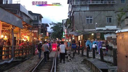 優派租車觀光旅遊-十分車站天燈
