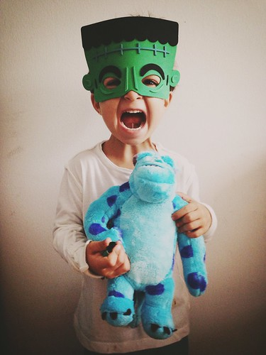 César Frankenstein con Sulli: Vamos Halloween!
