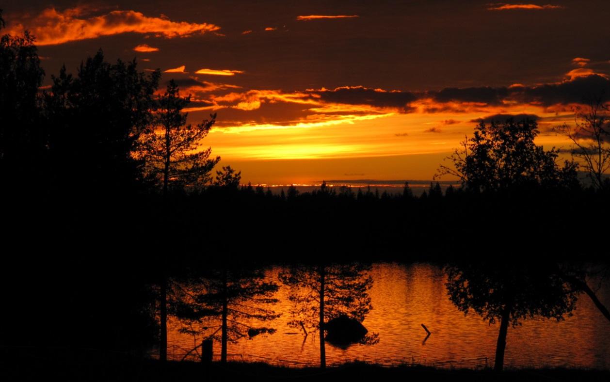 15. Crepúsculo. Käylä, en la laponia finlandesa. Autor, RukaKuusamo