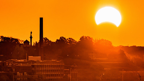 morning sunrise virginia solar eclipse silhouettes richmond va lucky strike rare rva churchhill libbyhill hybridsolareclipse
