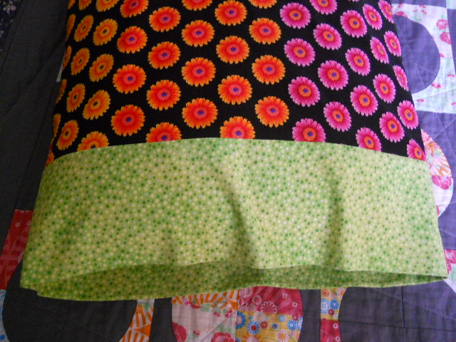 flower pillowcase, pose 1