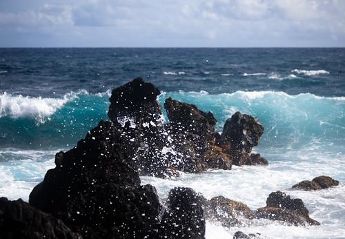 sky water digital canon outside hawaii lava rocks day waves zoom maui telephoto hana 5d splash 70300mm markii f456 canon5dmarkii