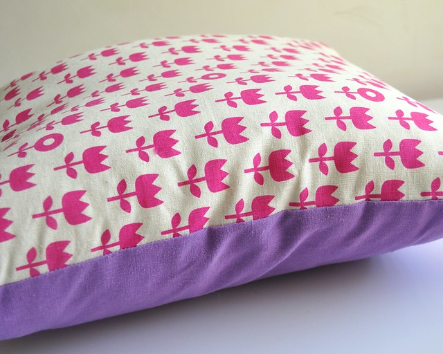 field print cushion