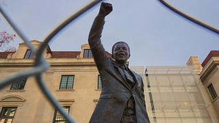 Nelson Mandela Statue - South African Embassy 34019