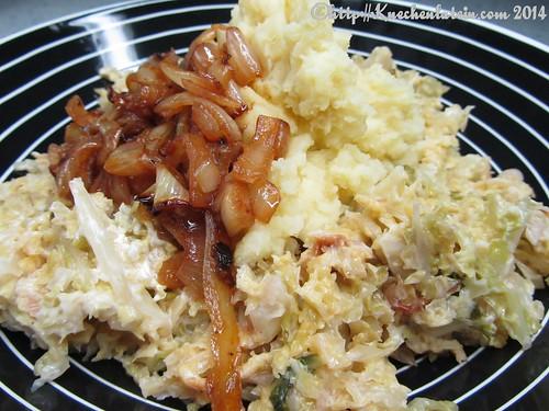 Wirsinggemüse mit Kartoffelpüree und Paprikazwiebeln (1)