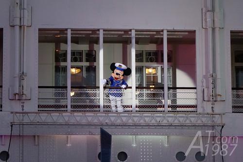 Tokyo DisneySea - S.S. Columbia
