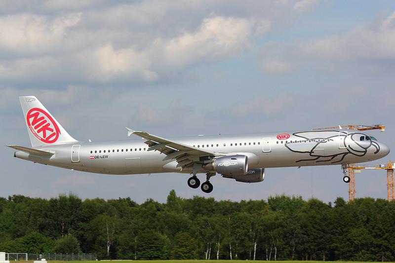 Niki - A321 - OE-LEW (2)