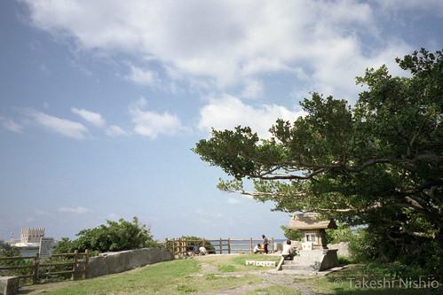 海を望む拝所 / seaside worship