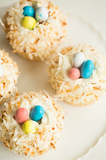 Bird's nests coconut cupcakes